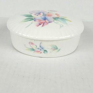 Aynsley Little Sweet heart trinket box floral